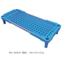 塑料板带扶手幼儿床8-100-